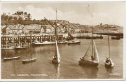PC13600 The Harbour. Folkestone. Valentine And Sons. RP. 1956 - Ansichtskarten