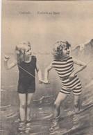OOSTENDE / KINDEREN OP HET STRAND  1911 - Oostende