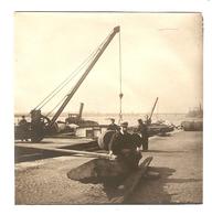 PHOTO ORIGINALE - PENICHE BATEAU - QUAI DE DECHARGEMENT GRUE - CANOTIER FUT - Boats