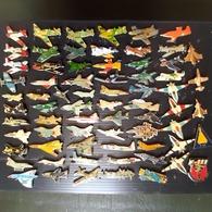 AVIONS MILITAIRES . 69 PIN'S - Avions
