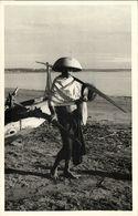 Indonesia, BALI, Native Male Fisher, Costumes (1940s) RPPC Postcard - Indonesië