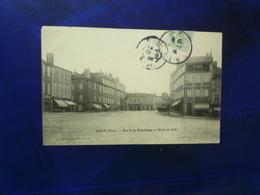 1906 AUCH RUE DE LA REPUBLIQUE ET HOTEL DE VILLE  ETAT BON - Auch