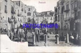 114925 ITALY POZZUOLI NAPOLES THE SQUARE COSTUMES PEOPLE IN SOURCE  POSTAL POSTCARD - Sin Clasificación