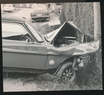 ST MARIA HOREBEKE  --- FOTO 1973    10 X 7 CM    AUTO TEGEN PAAL - Horebeke
