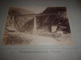 RARE LOT DE 2  PHOTOS  1888 Switzerland SUISSE  VS VALAIS SAINT GOTTHARD (ST Gothard) PONT DU CHEMIN DE FER  AM STAG - Antiche (ante 1900)