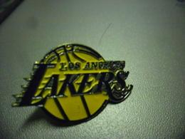 Pin's BASKET USA - LOS ANGELES LAKERS - Basketball @ 28 Mm X 18 Mm - Basketball