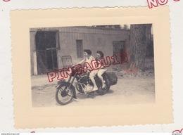 Au Plus Rapide Moto Ancienne Immatriculée 1909 AN 75 Début Des Années 50 - Cars