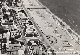 RIMINI-VEDUTA PANORAMICA DELLA SPIAGGIA-REAL PHOTO-VIAGGIATA 1959  -F.G - Rimini