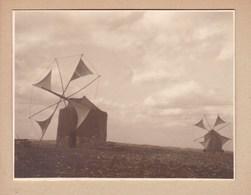 PORTUGAL MOULINS à Vent Sur Route Entre THOMAR Et FATIMA 1932 Photo Amateur Format Environ 5,5 X 7,5 Cm - Lieux
