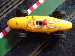SCALEXTRIC Triang FERRARI V6 Amarillo Guia Fija Made In Spain - Circuitos Automóviles