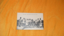 CARTE POSTALE ANCIENNE CIRCULEE DE 1928../ RIVER GAMBIA GAMBIE../ ALLIGATOR SHOOTING A FINE SPECIMEN MORTALLY WOUNDED.. - Gambie