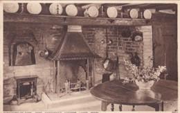 STRATFORD ON AVON . ANN HATHAWAYS COTTAGE LIVING ROOM - Stratford Upon Avon