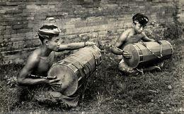 Indonesia, BALI, Native Boys Playing Drums (1930s) RPPC Postcard - Indonesië