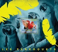 CENTRAFRICAINE 2014 SHEET BIRDS PARROTS PERROQUETS OISEAUX LOROS PAPAGAIOS PAPAGEIEN Ca14511b - República Centroafricana