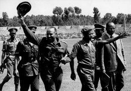 Photo Originale.  Le Général AMAN ANDOM   Homme Fort Du Mouvement Révolutionnaire  De L'ETHIOPIE  En 1974 - Guerra, Militari