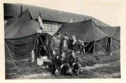 PHOTO ORIGINALE CAMPEMENT MILITAIRE  8.50 X 6 CM - Guerre, Militaire