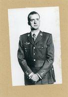 Photo Originale.  Le Prince JUAN CARLOS  Successeur De  FRANCO  à La Tête De L'état Espagnol - Guerre, Militaire
