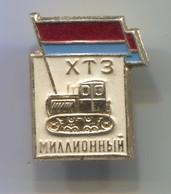 HTZ - Caterpillar, Bulldozer, Bagger, Excavator, Russian Vintage Pin, Badge, Abzeichen - Transportation