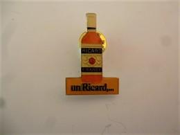 PINS UN RICARD  La Bouteille / 33NAT - Beverages