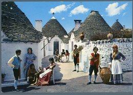 °°° Cartolina N. 114 Alberobello Trulli E Folklore Nuova °°° - Bari