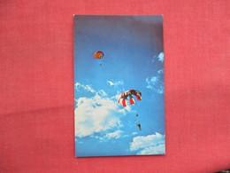 Sport Parachuting   Orange Mass      Ref  3456 - Postcards