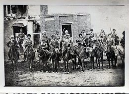 Rare Photo D'une Cavalerie Tatare Avec Leurs Sabre Et Leurs Fusils En 14-18 - Guerra, Militari