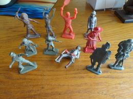 Lots 8 Figurines Marque Bonux + 2 Stalux +1 Soldat De Plomb - Militaires
