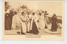 EGYPTE - Mission Des Jésuites Français En Egypte - A LA PORTE D'UN GOURBI - Le Père Khoury Bénit L'eau - Egypt