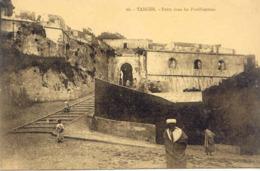 CPA - MAROC - TANGER - PORTE DANS LES FORTIFICATIONS - Tanger