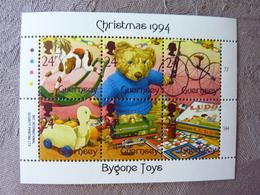 1994  Christmas    Bygone Toys  ** MNH - Guernsey