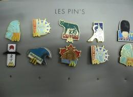 """LOT De 10 Pin's McDonald's édités Par Arthus Bertrand  @ La Largeur De La """"planche"""" Représentée Est De 16 Cm - McDonald's"""