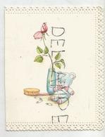 Carte De Vœux De Naissance Découpée. Nounours, épingles, Brosse Et Vase. Dentelle. - Vieux Papiers