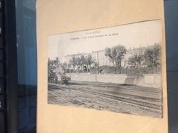 CANNES - Un Train Sortant De La Gare - Cannes