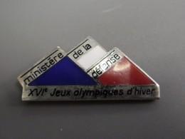 Pin's Ministère De La Défense 16 ° Jeux D'Hiver Albertville 1992 Savoie France @ 29 Mm X 14 Mm - Army