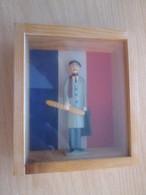 FIGURINE PIXI DE 1986 LE FRANCAIS MOYEN Coté 100 € Chez Pixifolies !!! Etat Impeccable - Figurillas