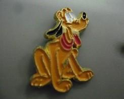 Pin's DISNEY PLUTO De Mickey @ 25 Mm X 18 Mm - Disney