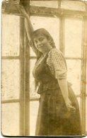 PORTRAIT OF A WOMAN, RETRATO DE UNA MUJER, PORTRAIT D'UNE FEMME. POSTAL POSTALE CPA YEAR 1917 NON CIRCULE - LILHU - Mujeres