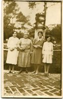 GRUPO DE 4 MUJERES, FAMILIA. GROUP OF 4 WOMEN, FAMILY. GROUPE FEMMES. POSTAL POSTALE CPA CIRCA 1910 NON CIRCULE - LILHU - Mujeres