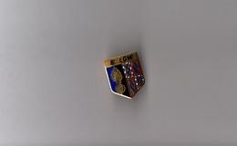 Pin's Police / Blason Gendarmerie - 8ème LGM Légion De Gendarmerie Départementale De Dijon (EGF Doré) Hauteur: 2,1 Cm - Police