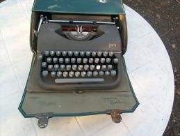 JAPY Machine à écrire Ancienne Mécanique, Métal, Années 45/60, Portable Et Sa Malette De Transport TTB Fonctionnement Ok - Other Collections