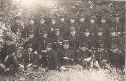 Groupe De Gendarmes - Carte Photo - Uniforms
