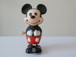 Figurine Avec Remontoir Mickey Mouse Walt Disney Pieds Articulés Le Marcheur - Jouets Anciens