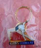 Pin's  FRANCE TELECOM CORBEIL 92 -  Gymnastique , Cerceau - Arthus Bertrand - Sous Blister - Gymnastics