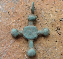 Medieval Europe. Bronze Cross 9-12 Century - Archeologia