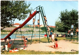 CPSM 03 (Allier) Saint-Yorre - La Plage. Très Animée, Enfants Qui Font Du Toboggan Sur L'aire De Jeux - Autres Communes