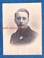 Photo Ancienne - POITIERS - Portrait Jeune Homme Militaire ? Chantier De Jeunesse ? Insigne à Identifier - WW2 ? Greffet - Guerre, Militaire