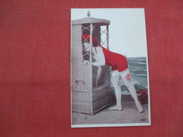 Female In Bathing Suit          >   Ref  3457 - Fashion