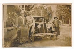 OLD CAR -  Renault Oldtimer  Auto Automobilia,Women Man  Old Photo - Automobile