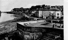Montjean Animée Place De La Bascule Les Quais La Loire - Autres Communes