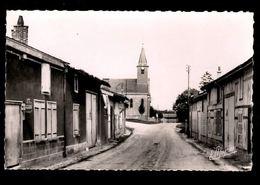 51 -  MERLAUT (Marne) - La Grande Rue Et L'Eglise - France